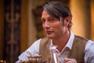 Escena de la serie Hannibal protagonizado por Mads Mikkelsen