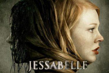 Poster de Jessabelle dirigida por Kevin Greutert y protagonizada por Sarah Snook, Mark Webber, Joelle Carter
