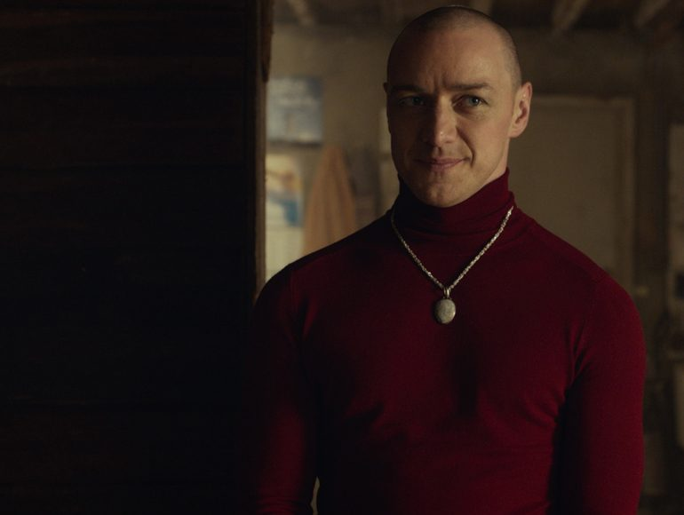 Split (Fragmentado) es la nueva película del director M. Night Shyamalan y protagonizada por James McAvoy, Anya Taylor-Joy, Haley Lu Richardson
