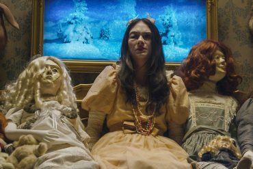 Incident in a Ghostland dirigida por Pascal Laugier y protagonizada por Crystal Reed, Mylène Farmer, Anastasia Phillips