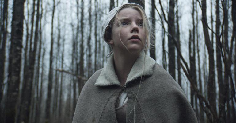 Escena de la película The Witch dirigida por Robert Eggers y protagonizada por Anya Taylor-Joy, Ralph Ineson, Kate Dickie