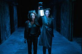 Escena de Insidious The Last Key protagonizada por Lin Shaye, Leigh Whannell, Angus Sampson y dirigida por Adam Robitel